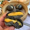 Steamed Salted-Egg Yolk Black Custard Bun