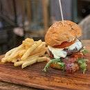Knots Beef Burger