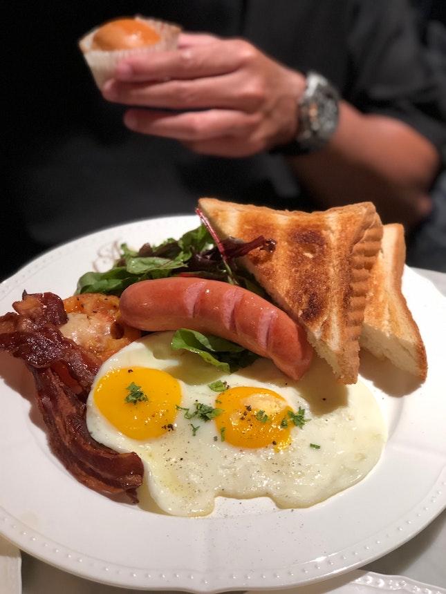 Antoinette's Breakfast
