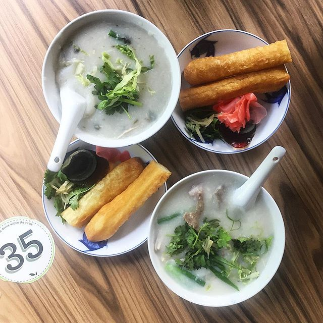 A morning stroll at the Botanic Gardens led us to join the queue for a bowl of Mui Kee's Congee, a pop up at Casa Verde.