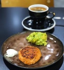 For a change I decided to have salmon cake and smashed avocado for brekkie.