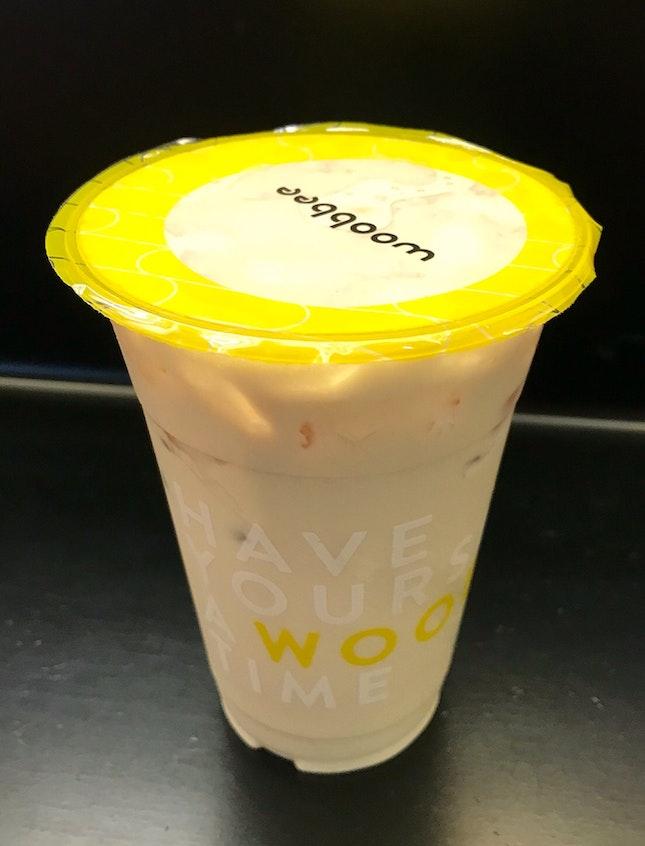 杏仁奶茶  $3.30