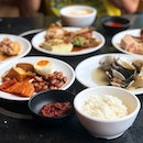 Teochew porridge lunch buffet ($12.90+) Teochew porridge is definitely the epitome of comfort food, filling our bellies with warm and hearty porridge and a variety of traditional Teochew dishes.