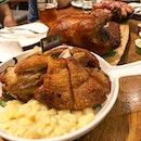 Wonder platter ($130, serves 6-8 pax)  What a feast!