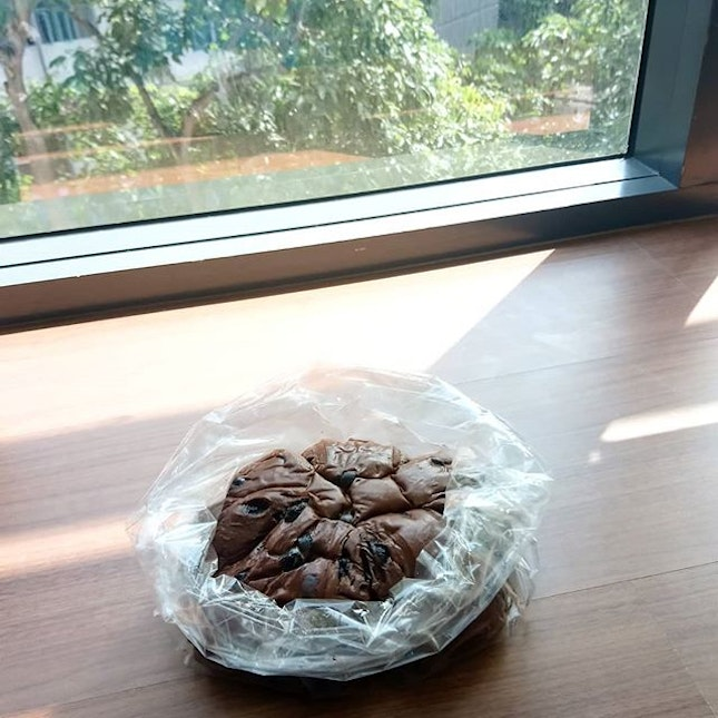 Morning view 🌄 Having this really delicious Dark Chocolate Bowl which is so soft & fluffy that I have to resist finishing the entire bag!!