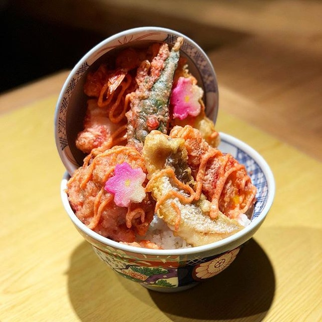 Singapore may not have four seasons, but don't let that deter you from trying Tendon Kohaku's seasonal Spring Tendon!