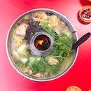 @ Tian Wai Tian Fish Head Steamboat 天外天 潮洲鱼头炉 Never getting sick of my fish head steamboat🤗 My comfort food on rainy days hehe☺️ - 🍽 FUD FOR THE TUMMY • Pomfret - large ($45) • Tofu Prawn - small ($7) • Rice ($0.50)