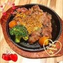 Happy V-Day lunch with @michele9966 ❤️❤️❤️ Canadian Beef: Rib-eye Steak!