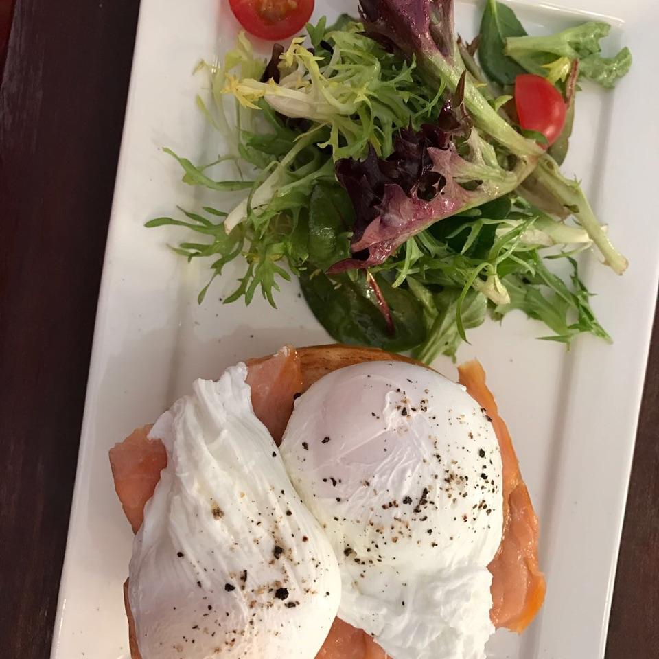 Smoked Salmon Egg Benedict