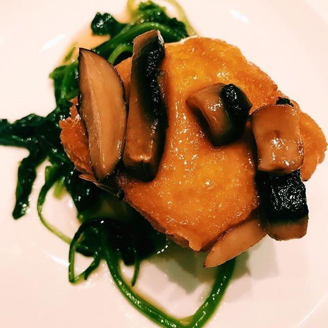 Braised spinach beancurd with mushroom.