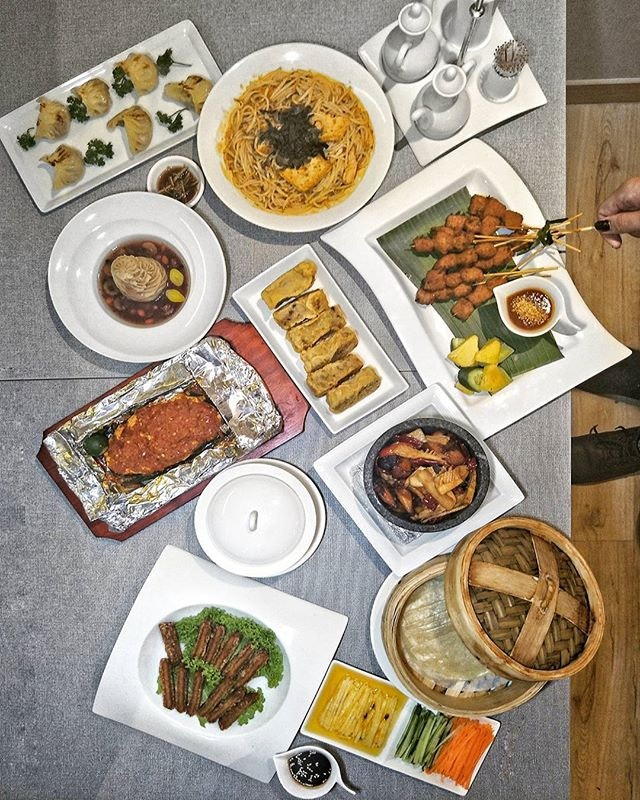 ~ 雪中蓮 ~ @LotusVegetarian @ Quality Hotel Marlow @ Balestier Road, a renowned establishment boasting a rich 13year history is well know for its top of the line quality vegetarian cuisines in Singapore.
