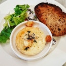 Baked camembert with toast...