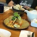 Appetiser 1: Prawn and Avocado