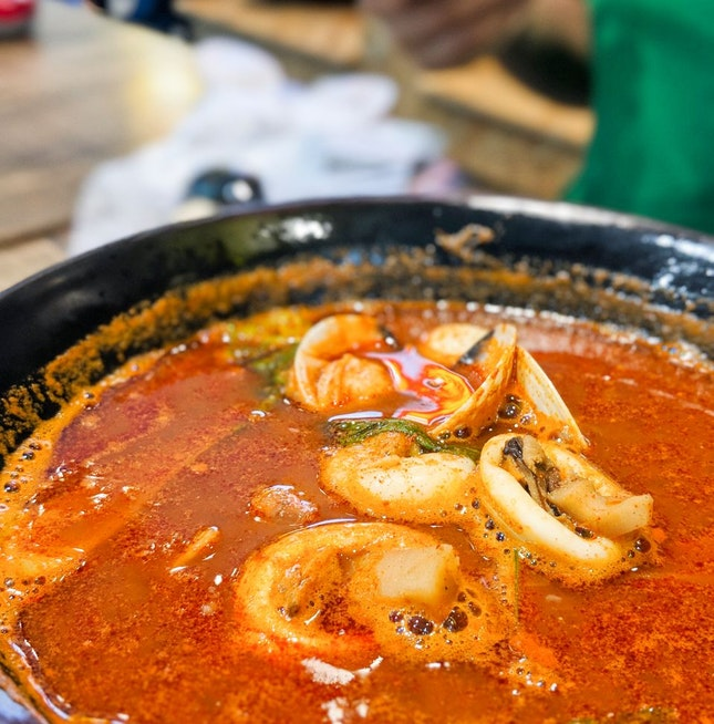Jjamppong (Spicy Seafood Noodle Soup)