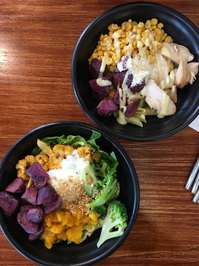 delicious and healthy lunch bowls