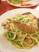 Spaghetti Marinara di Spinaci ($26)