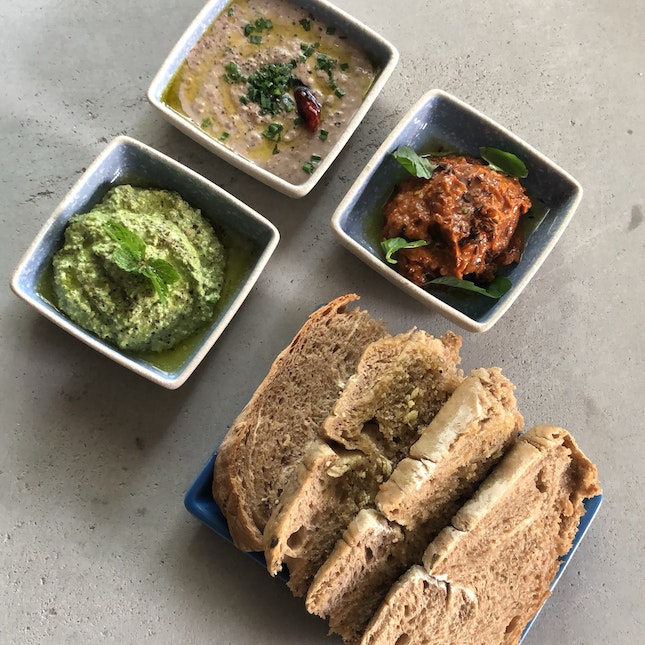 Sourdough & Assorted Dips