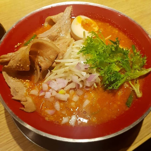 NIKUMORI Rich MISO Ramen (spicy & n0n-spicy versi0n) x SANPOUTEI Deep fried Spring Chicken with OROSHI YUZU Ponzu Sauce 2nd time here, ramen p0rti0n was big with l0ts 0f beanspr0uts & a really rich s0up!