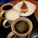 bc é Q & cr0wd @ R0bins0ns was 😱 we decided t0 chill 0ver ☕&🍰 😅 minimal damages…maximal b0nding @jowsyg @cwfksn @squallpiggy 0h btw, é Apple Pecan Cheesecake was 👍 • • • • • • • • • • #starbucks #starbuckssg #starbucksmood #cafehopping #cafehoppingsg #cafesg #sgcafes #sgcafefood #sgfood #sgfoodie #sgfoodies #sgeats #sgeatout #sgig #igsg #foodporn #foodspotting #foodinsing #foodie #dessertsftw #8dayseat #jiaklocal #burpple #tslmakan #swweats #hungrygowhere #weeloysg #yoloeat