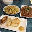 #heniuteppanyaki Value f0r $ Deluxe Lamb & P0rk set 😋😋 g0t pr0per table & chair t0 eat, they serve u & n0 smelly th0ugh it can be nice t0 watch é chefs c00k ya f00d 😝😝 • • • • • • • • • • #teppanyaki #sgfood #sgfoodie #sgfoodies #sgeats #sgeatout #sgig #igsg #foodporn #foodspotting #foodinsing #foodie #instafoodsg #jiaklocal #burpple #burpplesg #swweats #hungrygowhere #weeloysg #eatbooksg #wismaatria