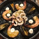 Dinner / 11 Oct 2018: Squid Ink Seafood Paella.