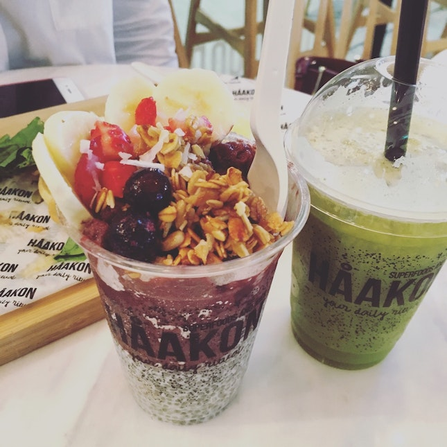 Classic Acai Bowl And Green Goodness