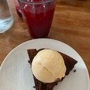 Flourless 70% Chocolate Cake