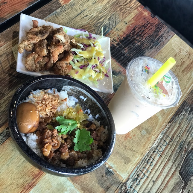 Signature Braised Pork Rice With Mango Crispy Chicken And Bubbletea ($$/$$$$)