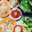 Everyone's tried chicken rice but I'm guessing not many people has tried  Chicken Rice #Steamboat!