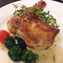 The Chicken Pullet from @spruce_sg comes with Desiree mashed potato, seasons vegetables and rosemary veloute sauce.