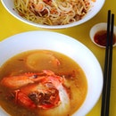 [Ah Hui Big Prawn Noodle] - I prefer the dry version more because of the shiok chilli and at the same time I also can get a bowl of the delicious soup with the prawns.