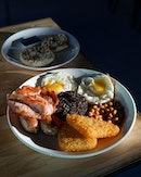 [Pig N Whistle] - If you're planning to visit this place on weekends, you'll love the Full Monty ($18.50) here which consisted of 2 eggs, 2 bacons, 2 sausages, 2 hash browns, black pudding, mushrooms, beans, and bread/toast.