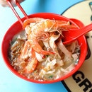 [L32 Geylang Homemade Noodles] - The Prawn Ban Mian Soup ($5) comes with 2 big fresh prawns, egg, minced pork, vegetables and topped with ikan bilis that sweeten the already flavourful soup.