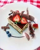 [La Pizzeria] - Summing up of meal was a beautiful piece of Tiramisu ($9).