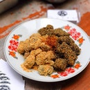 [Pang's Hakka Delicacies] - Hakka Muah Chee in roasted white sesame seeds and black sesame seeds.