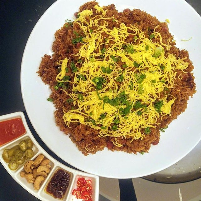 [Xin Cuisine] - Wok-fried Glutinous Rice with Chinese Sausage and Preserved Meat.