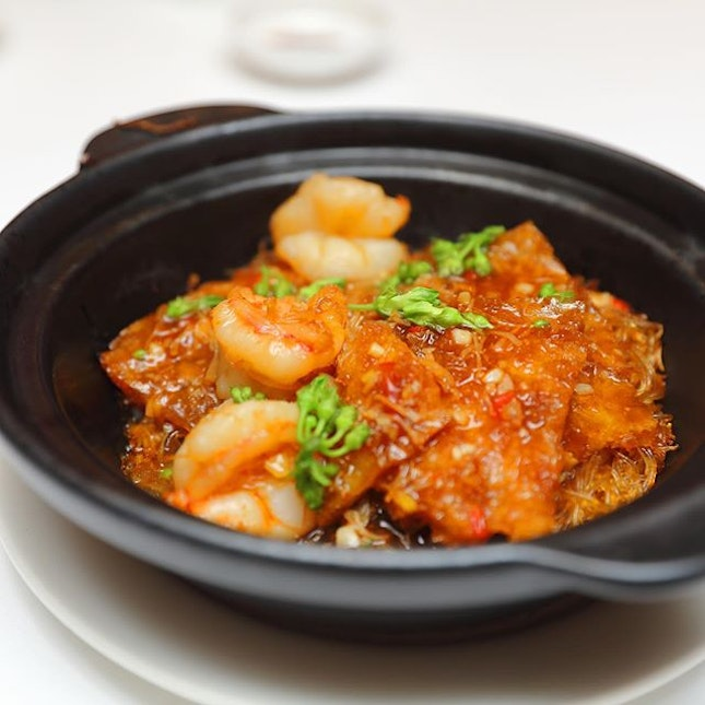[Yan] - A dish that I will definitely order in my re-visit is the Claypot Work-fried Prawns with Fish Maw, Vermicelli and Homemade XO Sauce ($38/$57/$76).