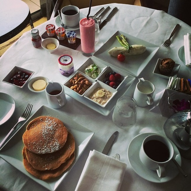 #breakfast for #3 at #mbs