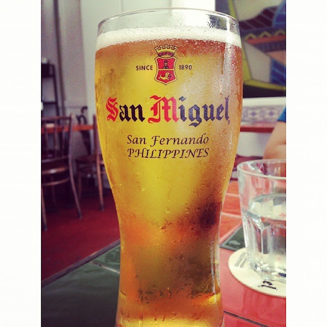 #chill with a pint of #sanmiguel.