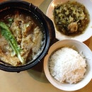 We are now at Leong Kee Bak Kut Teh for some soupy fix on a rainy Friday!