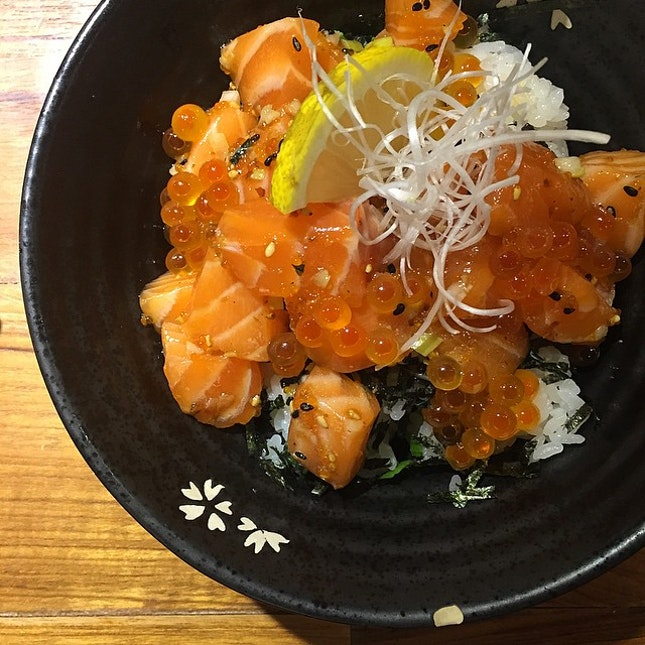 Salmon and roe rice bowl.