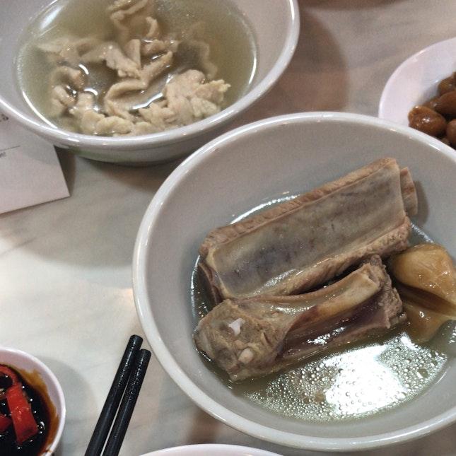 Rong Hua Bak kut teh