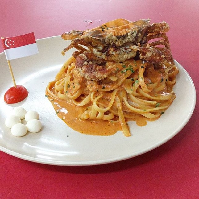 @sillywesternsg's National Day month-long promo item Chilli Soft Shell Crab Pasta for dinner.