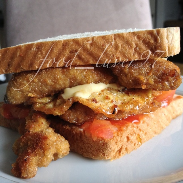 CCET- Chicken, Cheese, Egg And Tomatoes