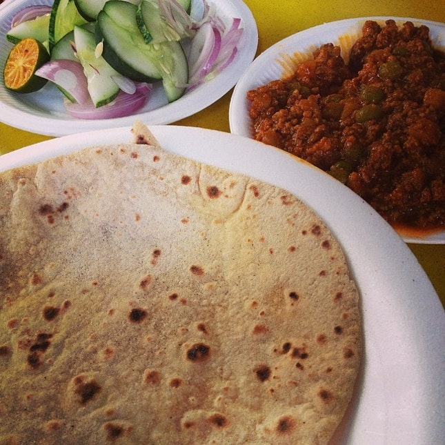 Awesome breakfast part 2 - Azmi's chappati with keema!