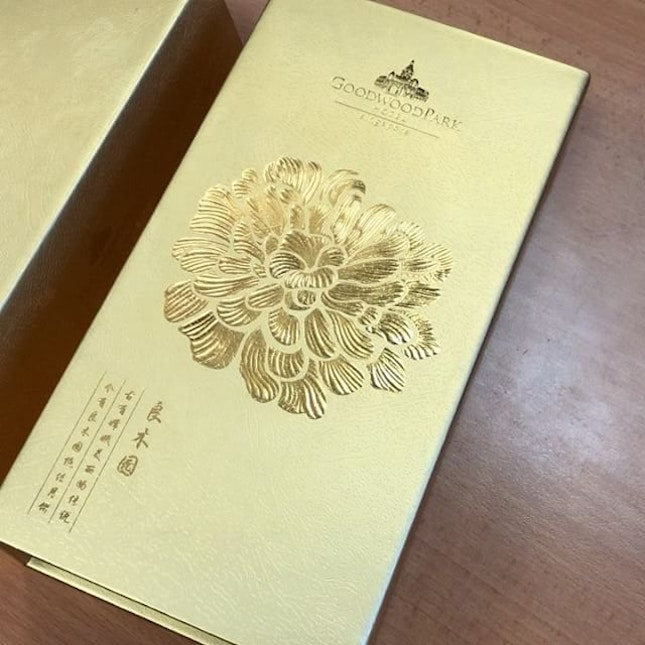 """These Snowskin Mooncakes are so beautiful that when I showed them to my colleagues, they just """"wow wow wow""""!"""