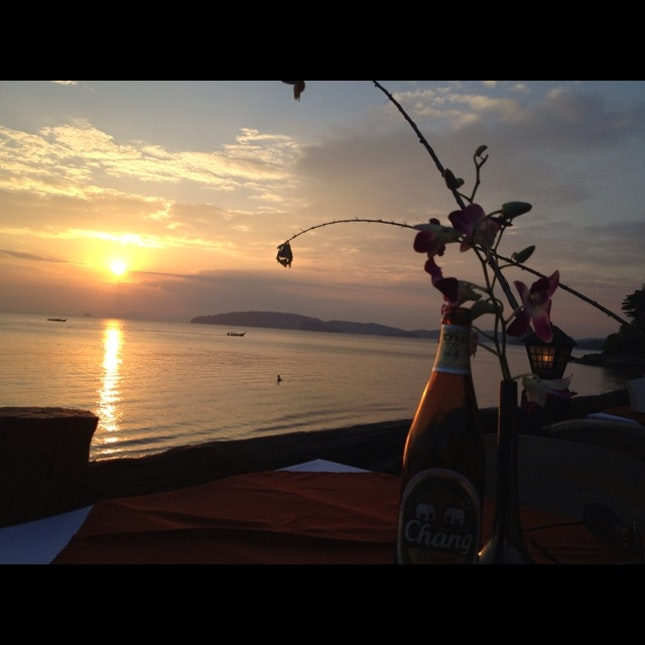 tourist trap resto by the beach with pretty sunset views