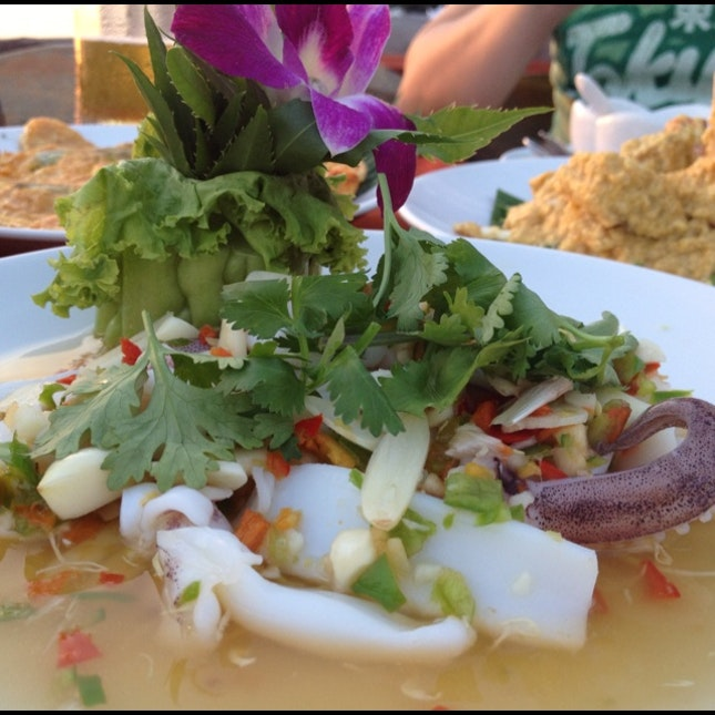 steamed squid with lime and chilli was not too bad (THB250)