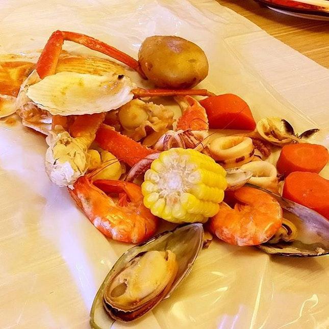 Sakura have this crab in the bag lookalike stuff.