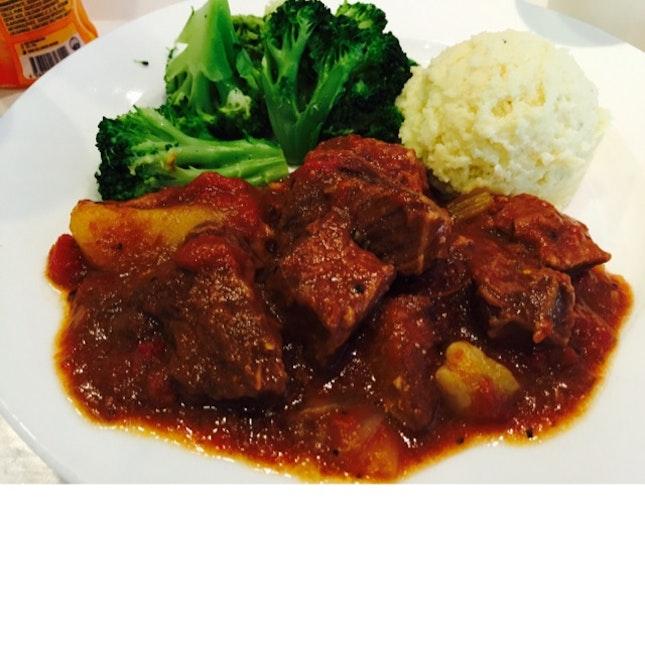 Beef Goulash With Mashed Potato